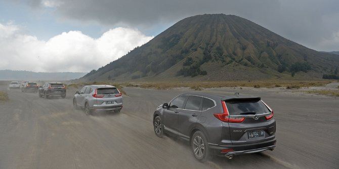 Uji Coba Smart Technology SUV Almaz di Tengah Pesona Alam Geopark Ciletuh