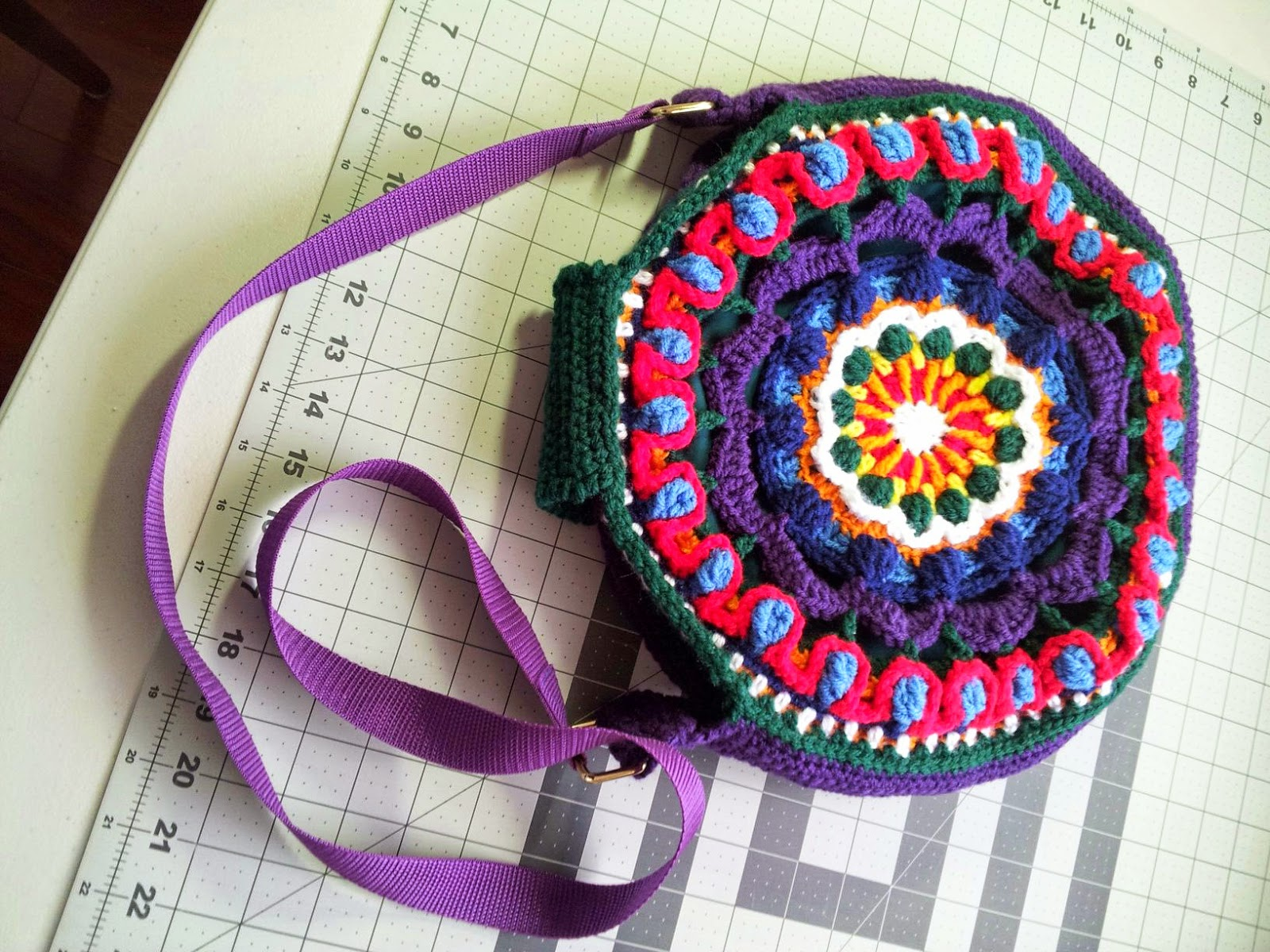How to Make a Lining for a Round Crocheted Bag | LillaBjörn\'s ...