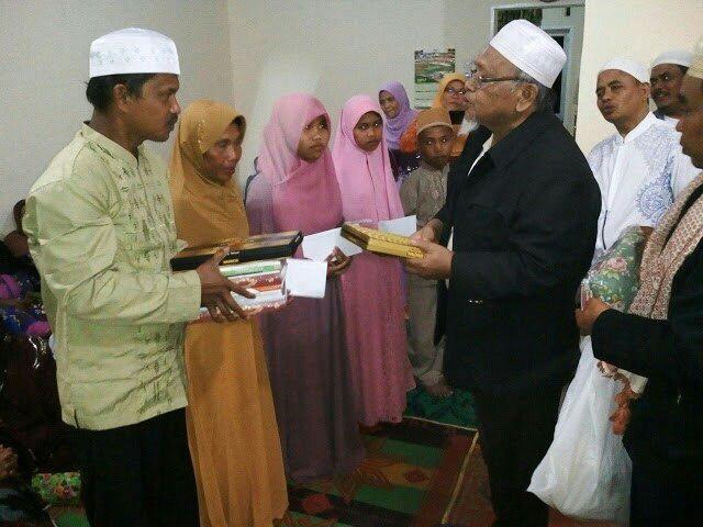 Alhamdulillah, Satu Keluarga ini Bersyahadat, Semua Anaknya Bisa Baca Al-Fatihah