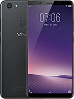 Spesifikasi Vivo V7+   Smartphone ini ditujukan bagi mereka pecinta foto selfie karena kamera depan smartphone ini beresolusi 24MP f/2.0. Sementara untuk kamera utamanya menggunakan sensor OmniVision OV16880 16MP f/2.0 yang dilengkapi dengan fitur PDAF dan LED flash. Smartphone ini juga dibekali dengan fitur pengenalan muka, Face Access yang akan membuka kunci smartphone cuma dengan melihatnya.  Sementara untuk jeroannya, smartphone ini ditenagai dengan chipset 14nm Qualcomm Snapdragon 450 yang mempunyai prosesor octa-core 1.8GHz dan GPU Adreno 506. Sebab dibangun dengan proses 14nm, chipset baru ini menjanjikan peningkatan kinerja serta efisiensi daya yang lebih baik MicroSD digunakan oleh smartphone ini mempunyai 4GB RAM dan 64GB penyimpanan internal yang masih bisa diperluas sampai 256GB.  Untuk fitur lainnya, terdapat sensor fingerprint yang berada di bagian belakang dan smartphone ini masih memiliki jack audio 3.5mm. Untuk meningkatkan mutu audio, smartphone ini sudah dibekali dengan chip audio AK4376A Hi-Fi. Sistem operasinya merupakan Funtouch OS 3.2 yang berbasis Android 7.1 Nougat. Tidak ketinggalan baterai sebesar 3225mAh juga telah diusung smartphone ini.  Kelebihan     Tawarkan layar fullView seluas 5.9 inchi dengan dipadukan teknologi IPS LCD capacitive untuk menyuguhkan kualitas gambar dengan warna yang begitu tajam, Jadi nonton video a
