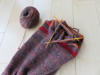 Knitting Decrease Stitches Evenly : Crafty Mummy Japan: Reversible Hat and Neck Warmer