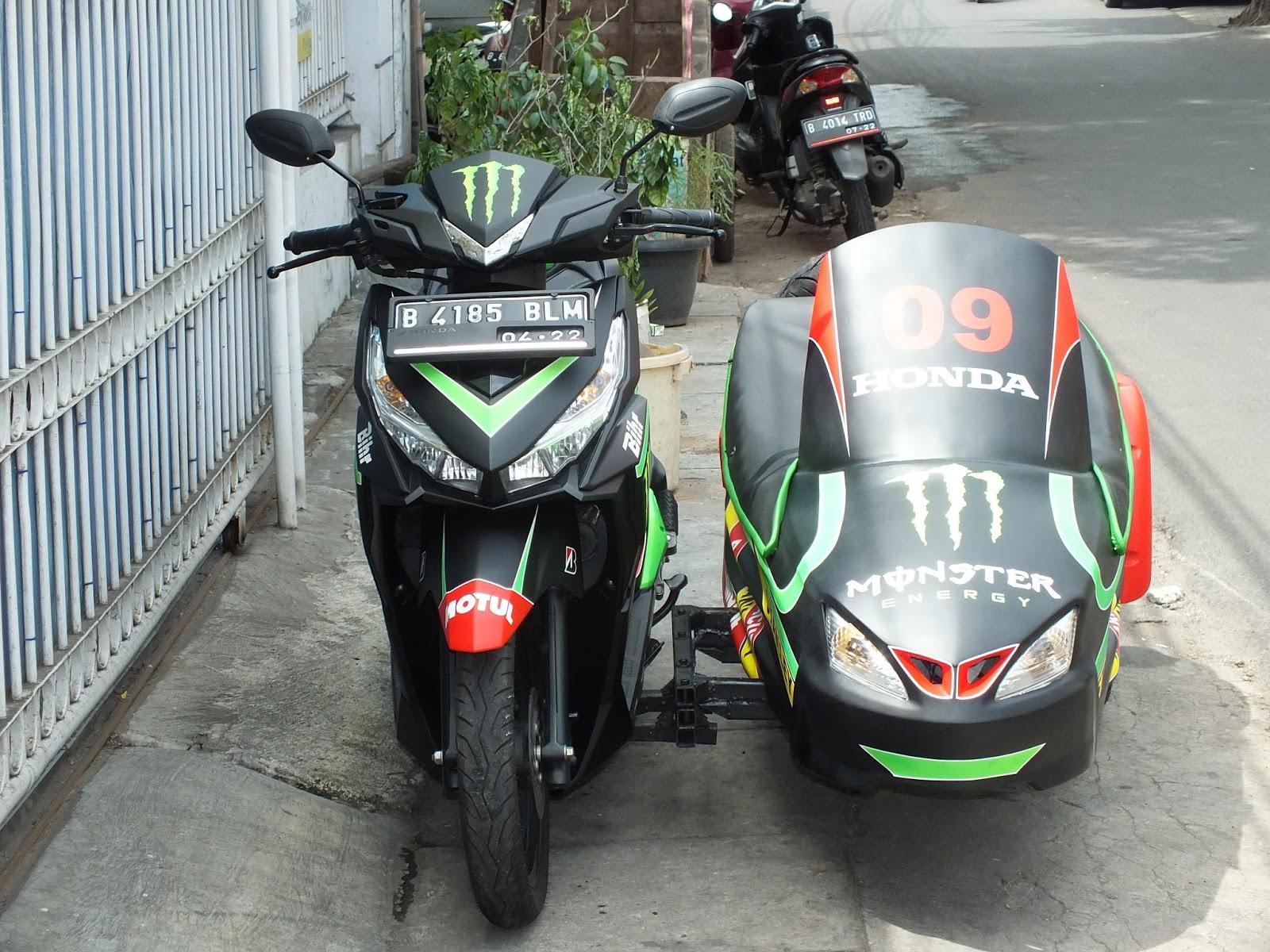 Ngecat MOTOR HONDA VARIO 150 SESPAN AIRBRUSH MONSTER ENERGY Pesanan