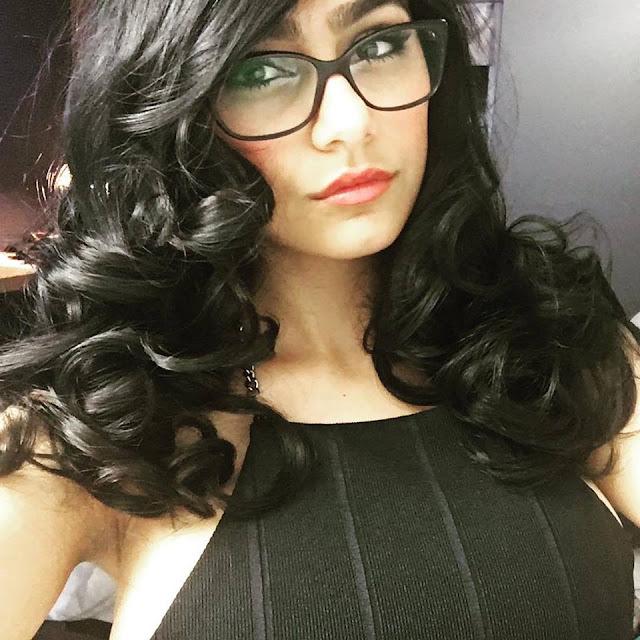 Mia Khalifa Gogals Image