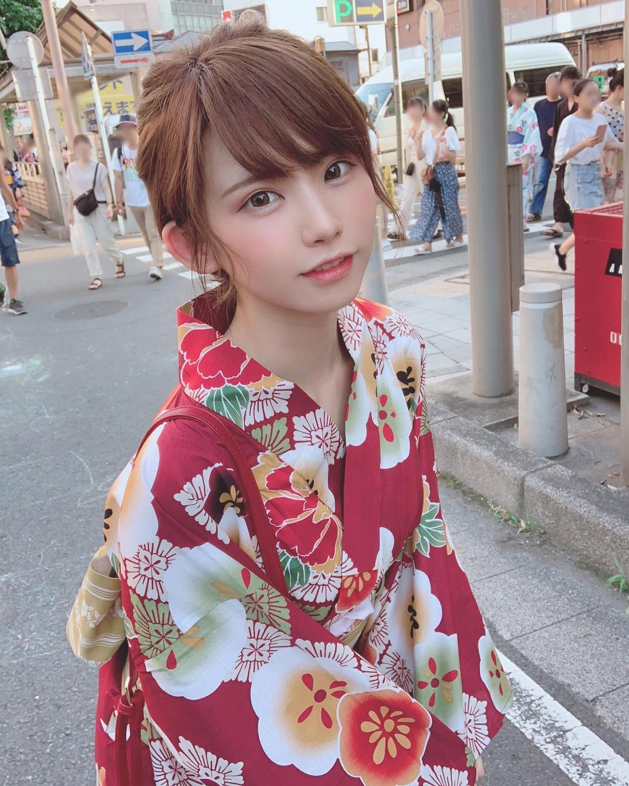 Cosplayer Imut nan Seksi dari Jepang えなこ (Enako)