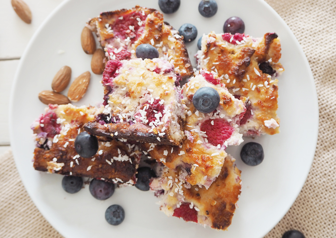 Made Up Style All Natural Raspberry Blueberry Almond Slice bake recipe overview