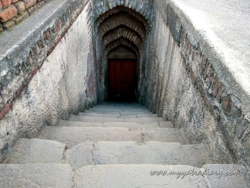 Mastani Gate, Shaniwar wada fort, Pune