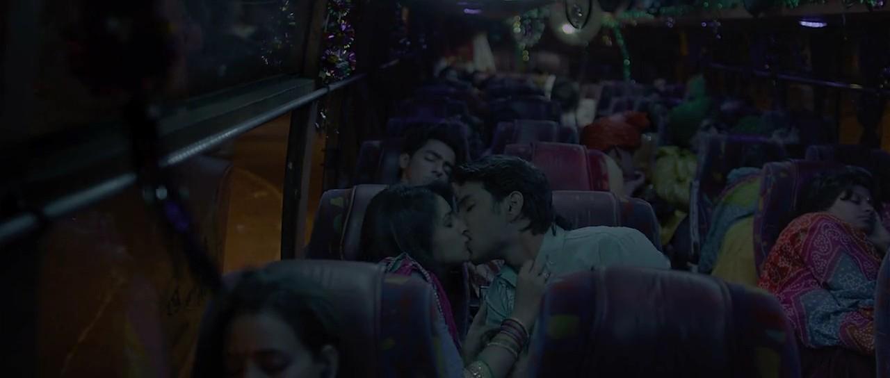 Shuddh Desi Romance (2013) 3