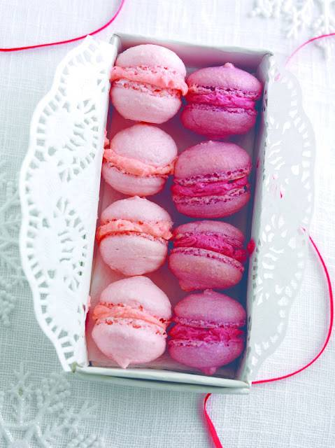 Blackberry Or Strawberry Macaroons: Perfect Homemade Gifts