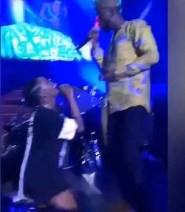 Feb 2018. Simi and Adekunle Gold are two singers who have made names for.