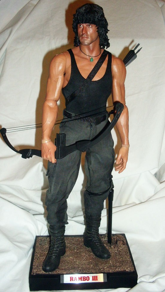 """Muñeca o figura de acción con increíble parecido Silvester Stallone as """"Rambo"""""""