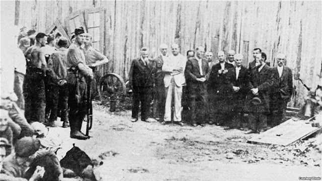 Executions of leaders of the Jewish community of the town of Balti, 15 July 1941 worldwartwo.filminspector.com
