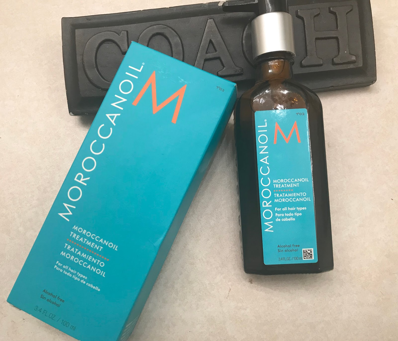Image: Moroccanoil oil treatment used by woman on blog Bits and Babbles. This is also her favorite product to use