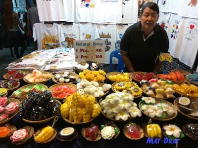 Talad Neon Tempat Shopping Bangkok