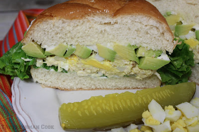 chicken, shredded, egg salad, bun, lettuce
