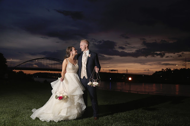 The Marina Inn wedding with sioux city bridge