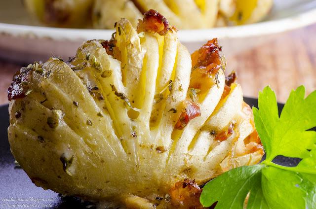 Patatas rellenas en abanico (Hasselback)