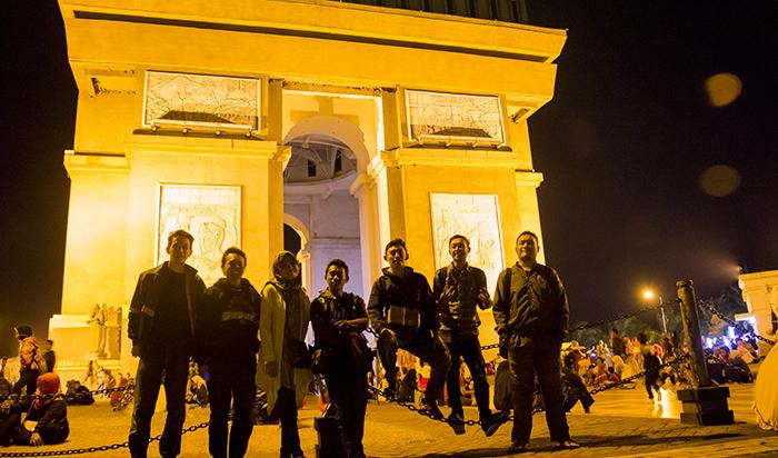 Malam di Simpang Lima Gumul (SLG)