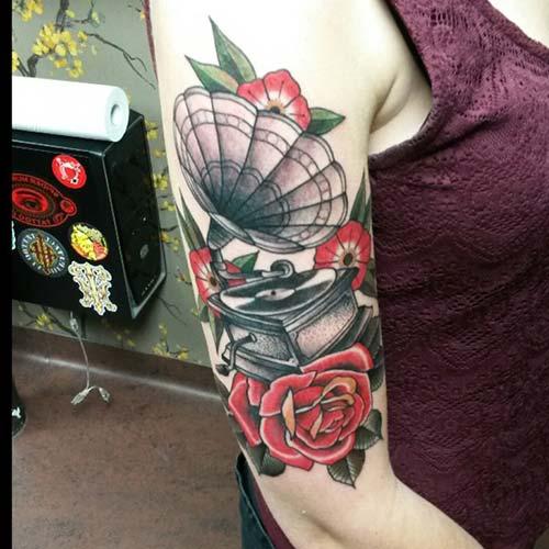 gramofon dövmesi gramophone tattoo