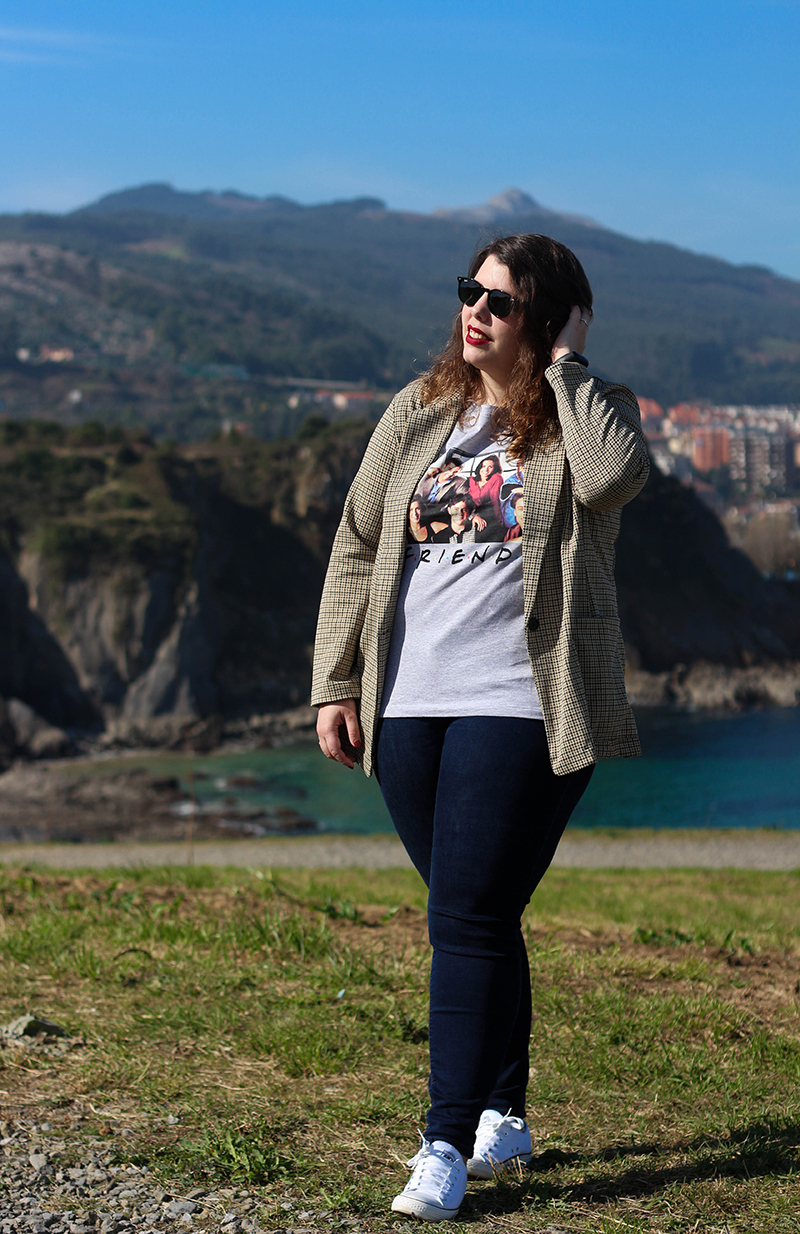 Collage of Style by Almudena Duran - Look con americana y camiseta de Friends VIII