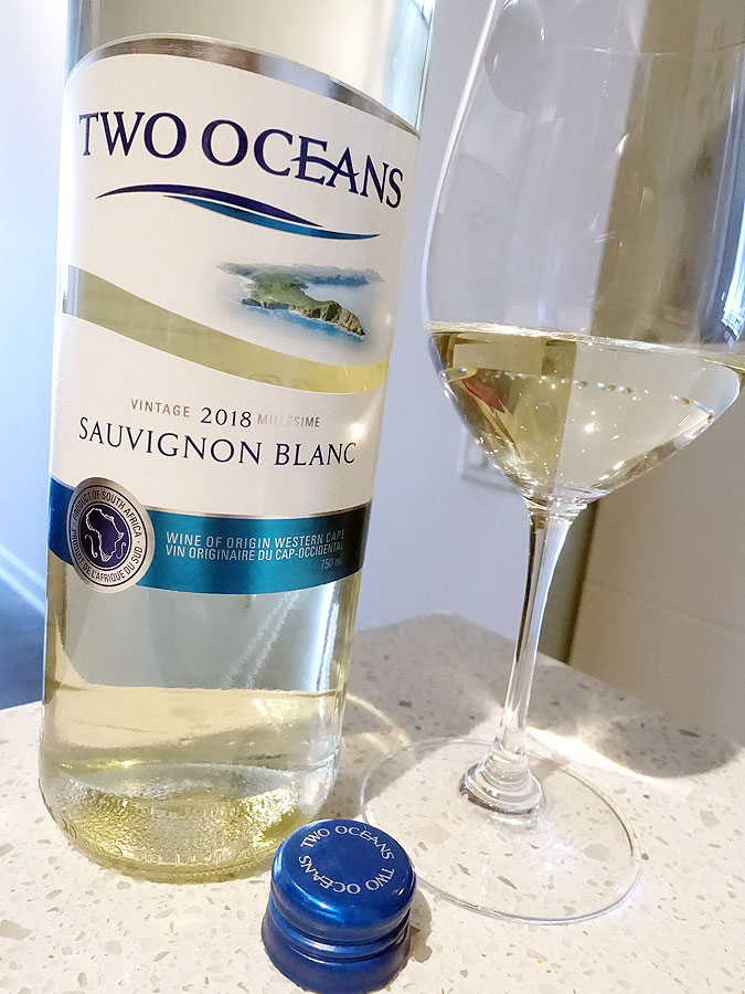 Two Oceans Sauvignon Blanc 2018 (87 pts)