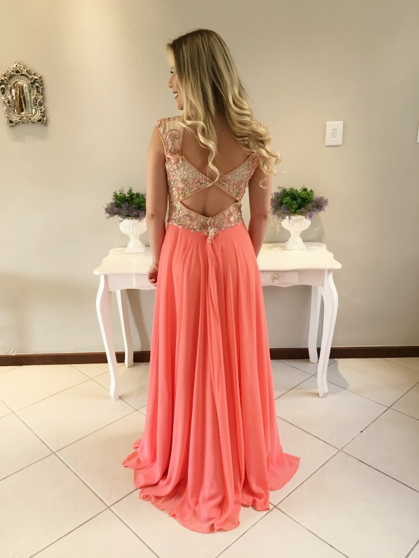 vestido de festa longo coral claro  madrinha ou formanda