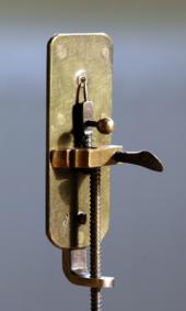Fhoto replika mikroskop Antony van Leeuwenhoek