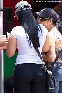 mujeres-caderonas-nalgonas-mallas