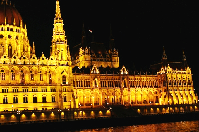 travel blogger explores Budapest city at night