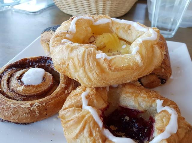 Vom Glück der Anreise nach Dänemark. Dänisches Gebäck und Kaffee gehören nach der Ankunft einfach dazu.
