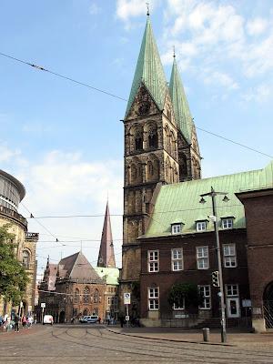 Catedral; Cathedral; Cathédrale; Bremer Dom; St Petri Dom; Marktplatz; Bremen; Brême; Alemania; Deutschland; Germany; Allemagne