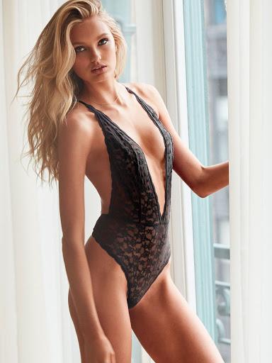 Hot model Romme Strijd Victoria's Secret sexy lingerie bra panties photo shoot
