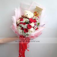 bunga valentine, buket bunga dan cokelat, buket bunga ferrero rocher, buket bunga mawar, bunga mawar valentine, handbouquet mawar, bunga mawar 100tangkai, buket rose, toko bunga, florist jakarta, toko bunga jakarta barat, toko bunga grogol