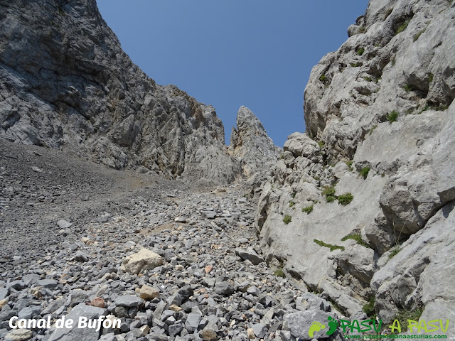 Ruta Torre Bermeja: Canal del Bufón
