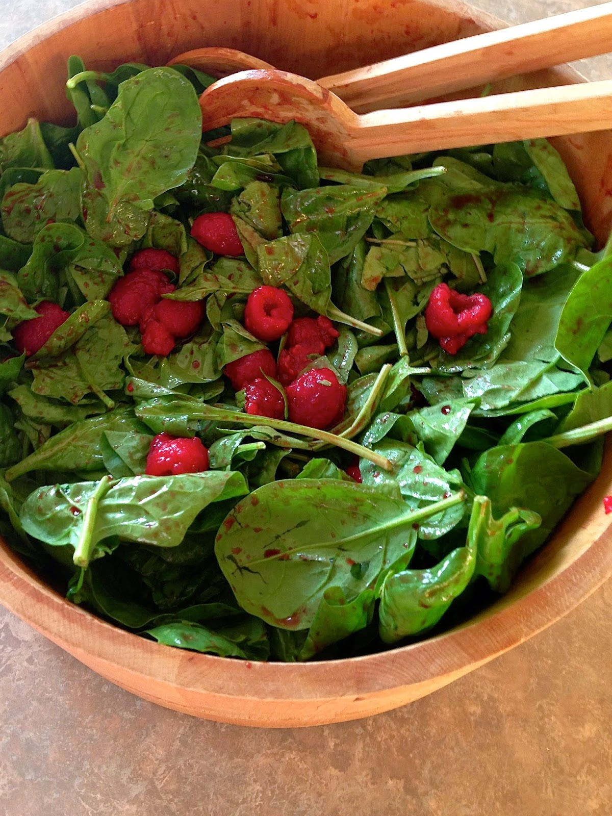 Raspberry Spinach Salad: Raspberry Spinah Salad