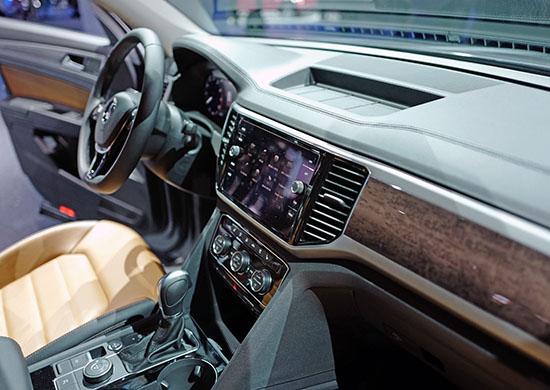 Burlappcar: L.A Auto Show: VW Atlas VS. Mazda CX-9