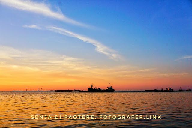 Foto Senja di Pelabuhan Paotere, Makassar Sulawesi Selatan