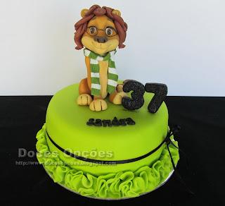 Bolo para o 37º aniversário da leoa Sandra