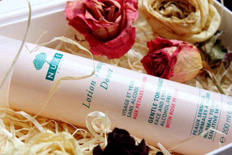 Отзыв: Нежный лосьон-тоник с лепестками роз NUXE Gentle Toning Lotion With Rose Petals.