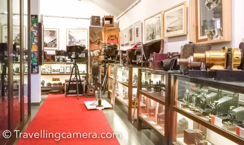 There are varied kinds of cameras, lenses, flashes, enlargers, 3D cameras, 3D viewers and other gadgets related to Photography. Camera Museo is frequently visited by bloggers & media folks. While we were there, someone from So Delhi was visiting the museum to know about the collection and more about it.