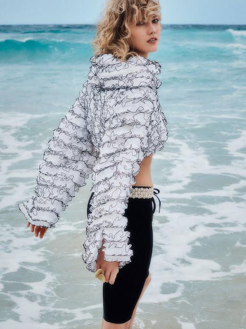 Karlie Kloss - Vogue Australia April 2017