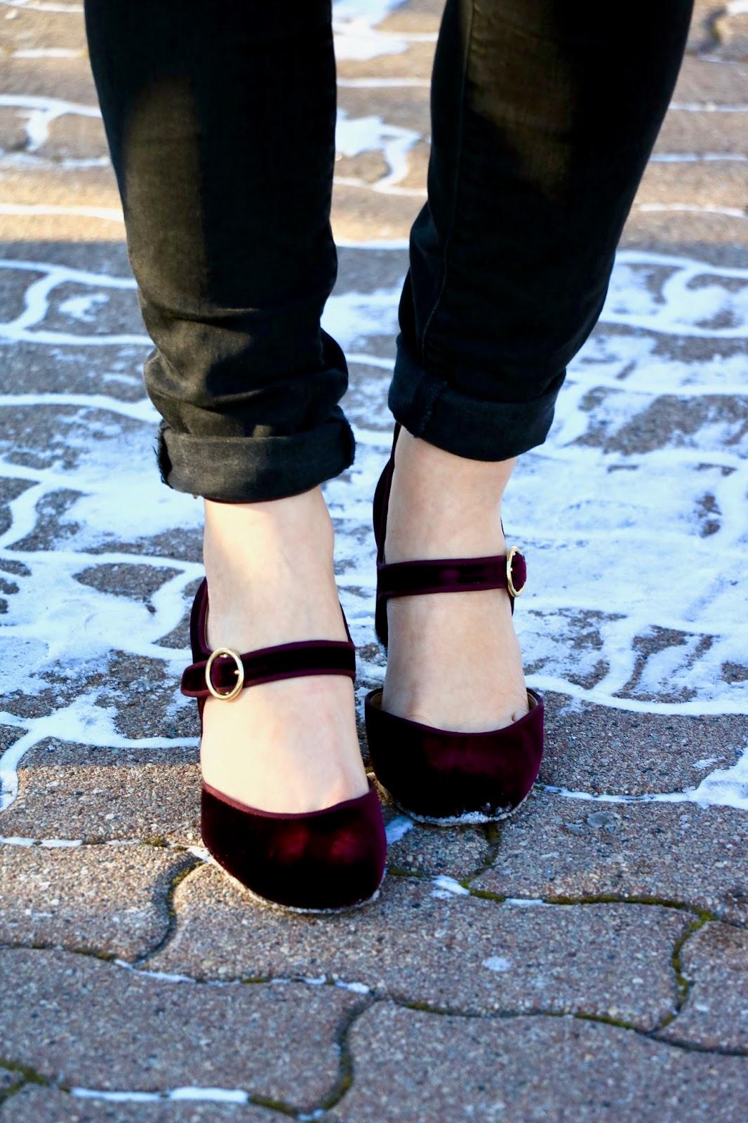 Nyc fashion blogger Kathleen Harper wearing burgundy velvet heels from Ann Taylor