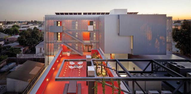 01-28th-Street-Apartments-by-Koning-Eizenberg