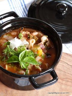 https://salzkorn.blogspot.com/2013/01/blogbuster-minestrone-nach-jamie-oliver.html