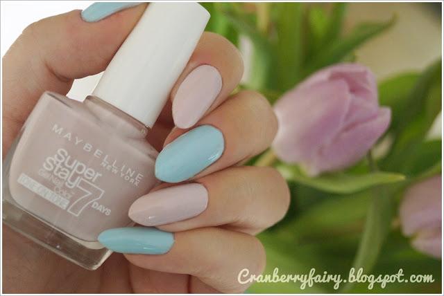 pastelowy różówy lakier do paznokci