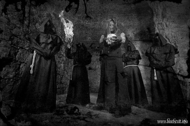 Emoción Violenta: Black Cult