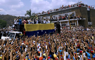 Crowd cheering and chanting Guaido's name as he kick starts domestic tour.