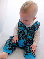 http://www.thediyfox.com/2015/11/baby-makes-first-of-many-starry-romper.html