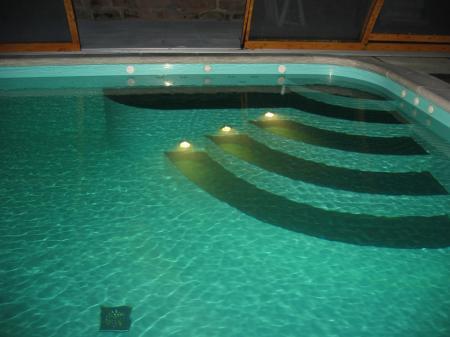 Arquitectura de casas modernas for Tipos de piscinas para casas