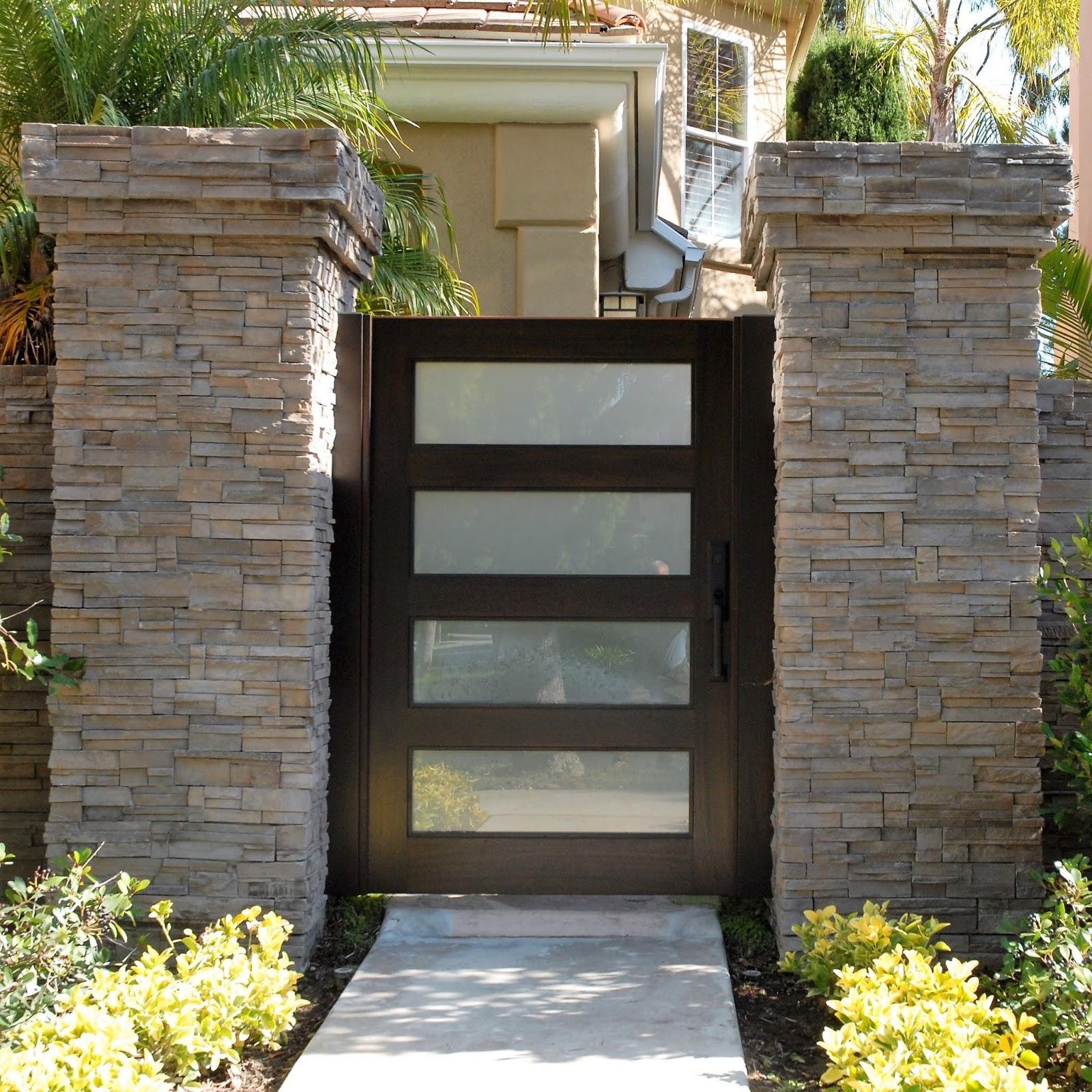 50 Desain Pintu Taman Yang Simple Dan Modern Rumahku Unik