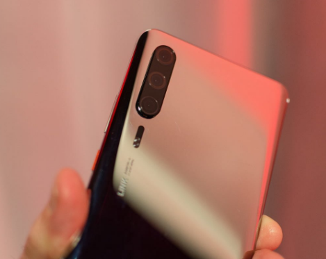 Huawei P30 Pro hand-on images are moving ahead from the beginning of its early next Month